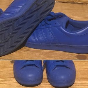 Men's Adidas shell toe shoes good condition